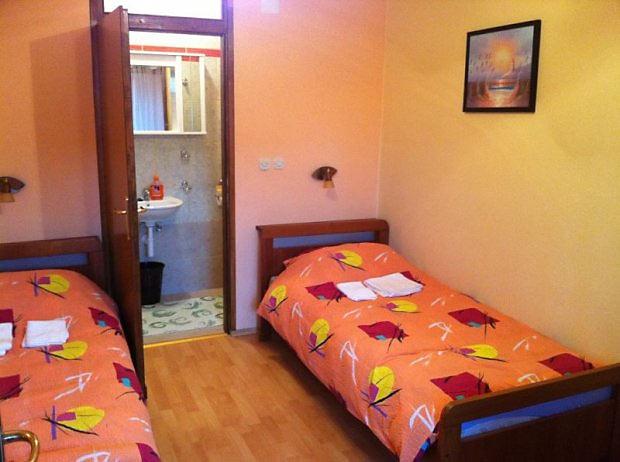 Altus rooms